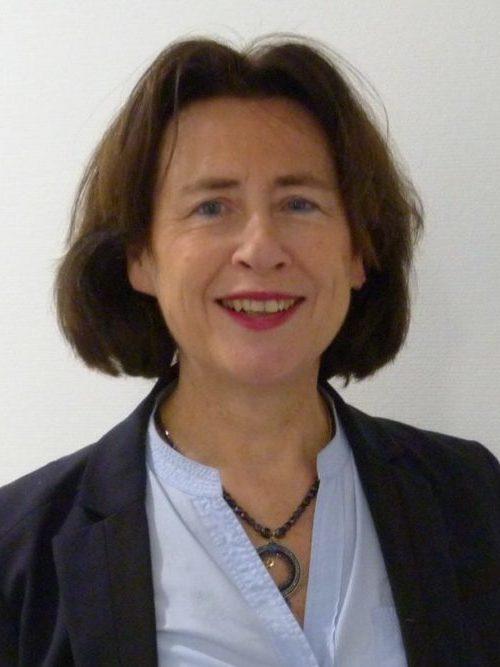 Mme Béatrice du MESNIL