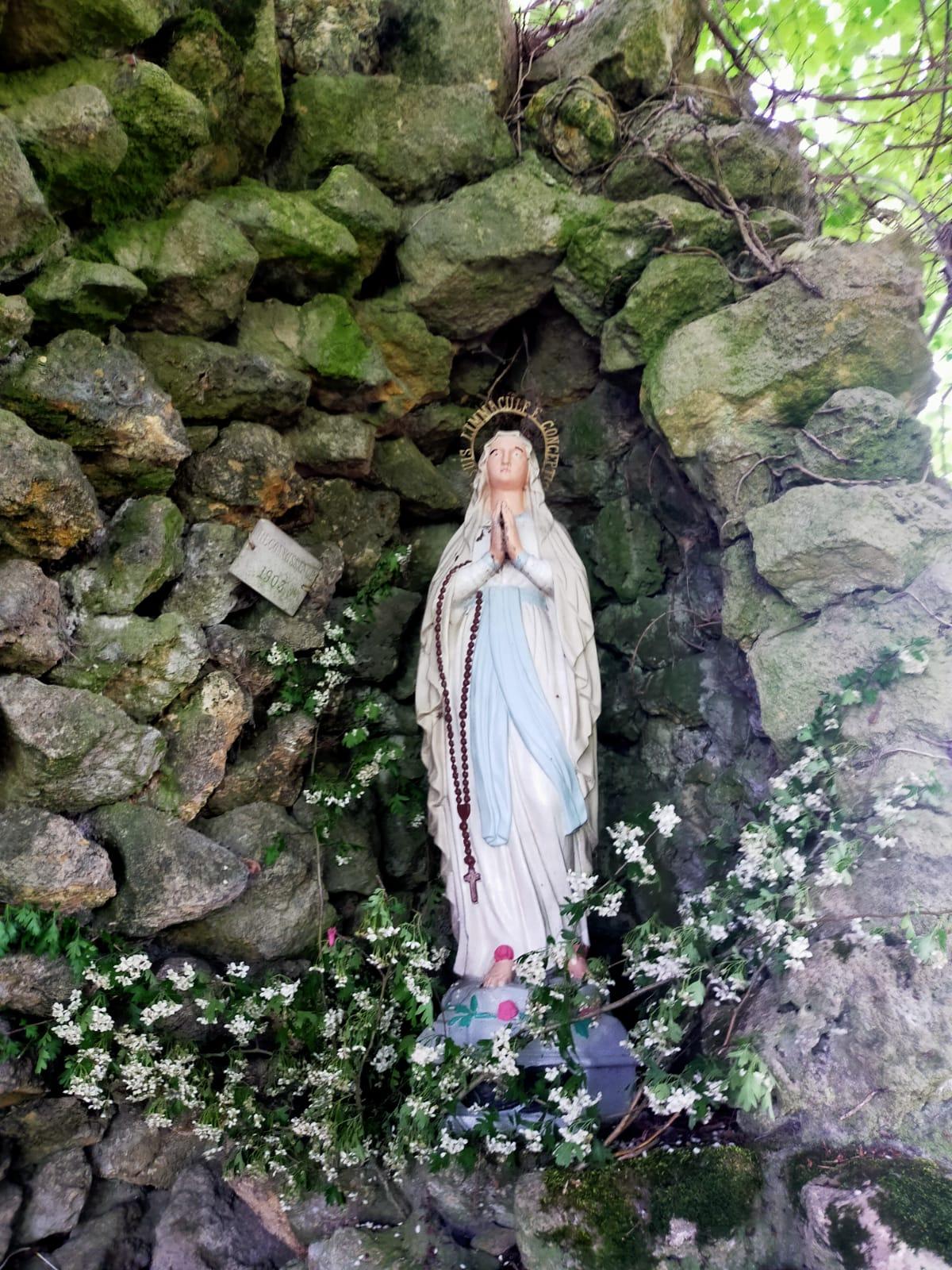 Grotte de Lourdes Vierge Marie