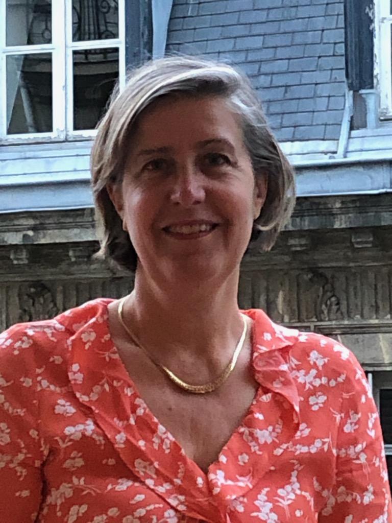 Mme Frédérique SEYDOUX